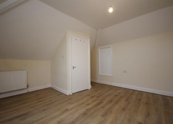 2 bed flat to rent in Manor Park Road, Harlesden NW10