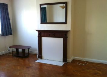 Thumbnail Room to rent in Warkworth Gardens, Isleworth, Middlesex
