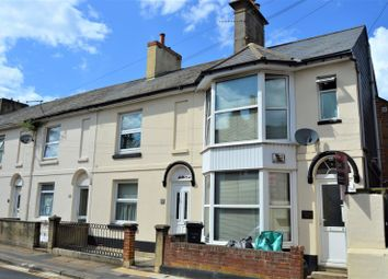 Thumbnail 1 bed flat to rent in Chapel Street, Newport