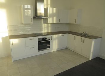 Thumbnail 2 bedroom flat to rent in Crocketts Lane, Smethwick, Birmingham