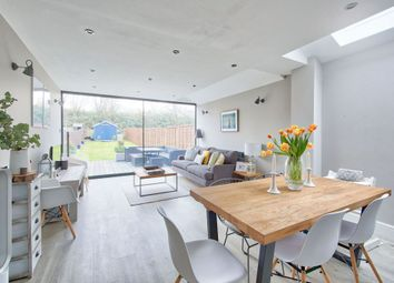 Thumbnail 3 bed flat for sale in Earlsfield Road, Earlsfield