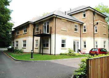 Thumbnail 2 bed flat to rent in West Wycombe Road, High Wycombe