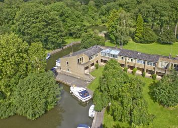 Thumbnail 3 bed town house for sale in Cleeve Court, Streatley