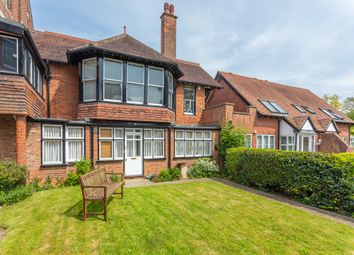Thumbnail 2 bed flat to rent in Bardwell Road, Oxford