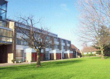 Thumbnail Studio to rent in Farnham Road, Slough, Berkshire