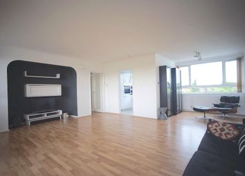 Thumbnail 2 bed flat for sale in Chessington Lodge, Regents Park Road, Finchley