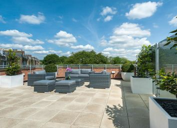 Thumbnail 2 bedroom flat for sale in Crescent Lane, London