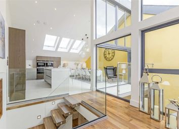 Thumbnail 5 bed property to rent in Townhouse Mews, London