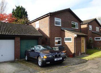 Thumbnail 4 bed detached house to rent in Benson Close, Reading