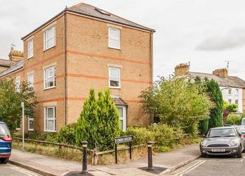 Thumbnail 1 bed flat to rent in Cobden Crescent, Oxford