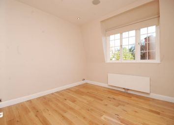 Thumbnail 2 bedroom flat to rent in Holly Hill, Hampstead