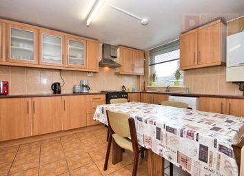 3 bed maisonette to rent in Hanbury Street, Bricklane, Whitechapel, City, East London E1
