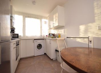 3 bed flat to rent in Willingham Way, Norbiton, Kingston Upon Thames KT1