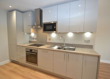 1 bed flat to rent in Gibbs Couch, Carpenders Park, Watford WD19