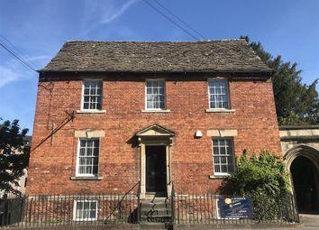 2 bed flat to rent in Church Street, Trowbridge BA14