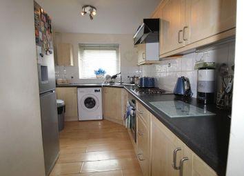 Thumbnail 2 bed flat to rent in Northend, Hemel Hempstead