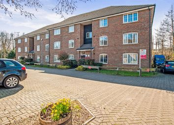 Thumbnail 2 bed flat for sale in Waterside, Chesham