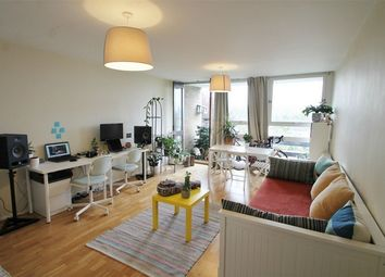 Thumbnail 2 bed flat to rent in Great North Road, East Finchley