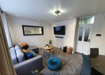 2 bed maisonette to rent in Dovet Court, Mursell Estate, London, London SW8