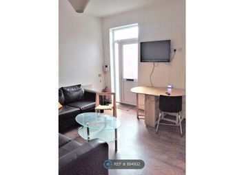3 bed flat to rent in Wilmslow Road, Fallowfield, Manchester M14