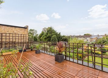 Thumbnail 3 bedroom flat for sale in Thornhill Road, London