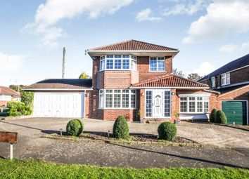 Thumbnail 3 bedroom detached house for sale in Hillview Crescent, Luton