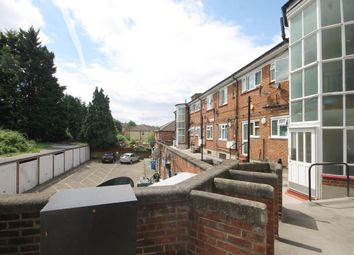 Thumbnail 2 bed flat to rent in Valley Side Parade, Chingford, London
