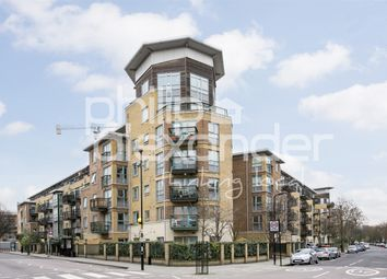 Thumbnail 2 bed flat for sale in Aston Court, Queens Drive, Finsbury Park