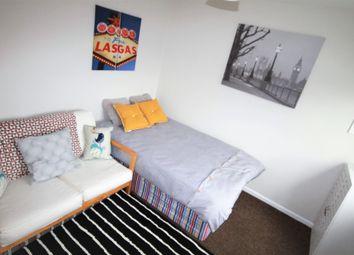 Thumbnail 1 bedroom studio to rent in Flat 2, Irwin Approach, Halton