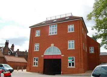 Thumbnail 2 bedroom flat for sale in Thoroughfare, Woodbridge