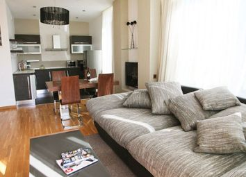 Thumbnail 4 bed flat to rent in Cluny Estate, London