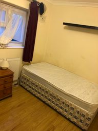 Thumbnail Room to rent in Clyston Rd, Watford