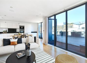 3 bed mews house for sale in Munro Mews, London W10