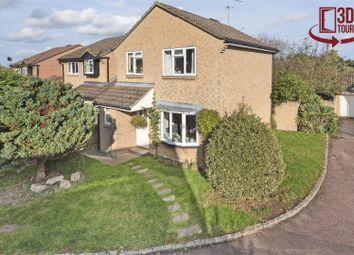 3 bed detached house for sale in Sparrow Close, Wokingham, Berkshire RG41