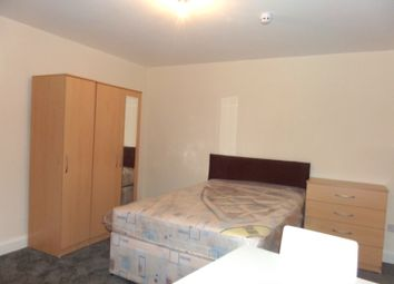 Thumbnail 1 bed flat to rent in Springfield Road, Ashford