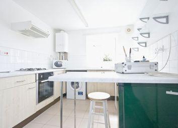 Thumbnail 2 bed flat to rent in Bunyan Road, London