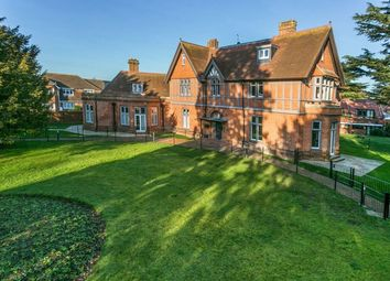 2 bed flat for sale in New Court, Liston Road, Marlow SL7