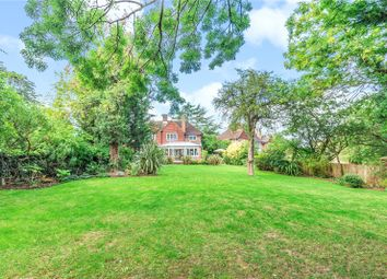 Bede Close, Pinner HA5. 3 bed semi-detached house