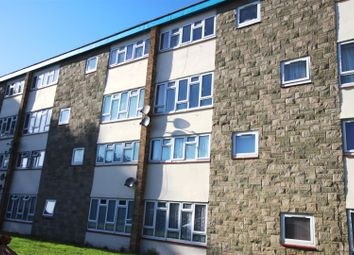 Thumbnail 2 bed flat for sale in Sandland Close, Dunstable