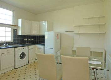 3 bed maisonette to rent in Grove Lane, Camberwell, London SE5