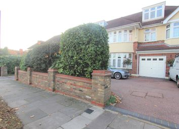 Room to rent in Powys Lane, Southgate N14