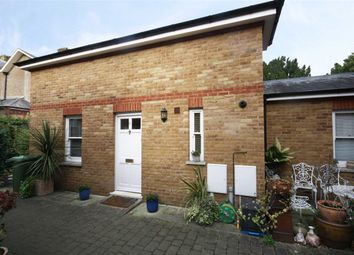 Thumbnail 1 bed property for sale in Daubeney Place, Hampton
