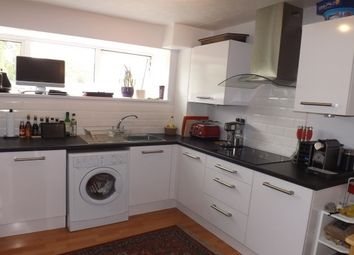 Thumbnail 2 bed flat to rent in Grasmere Way, Linslade