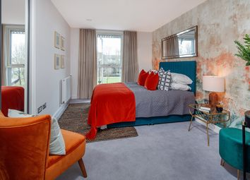 Thumbnail 2 bedroom flat for sale in South Grove, London