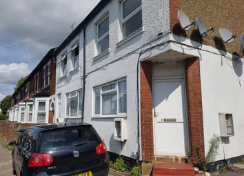 Thumbnail 1 bed flat to rent in Denbigh Road, Luton