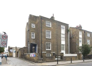 Thumbnail 2 bed maisonette for sale in Balls Pond Road, De Beauvoir