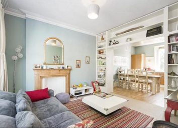 2 bed maisonette to rent in Rostrevor Road, London SW6