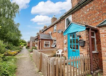Thumbnail 2 bedroom cottage for sale in Liddiards Row, Faringdon, Oxfordshire