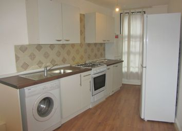 Thumbnail 2 bed flat to rent in Downs Park Road, Hackney