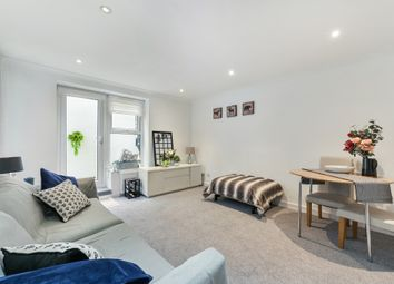 Thumbnail 2 bed flat for sale in Bramley Hill, South Croydon